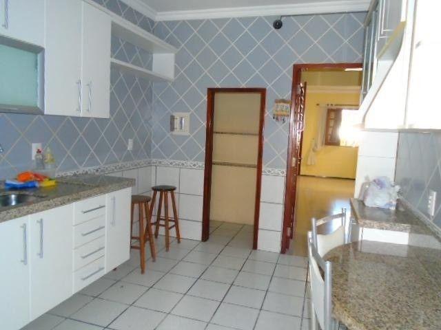 R.O Linda casa 3 dorm, churrasqueira e vagas na garagem - Foto 13