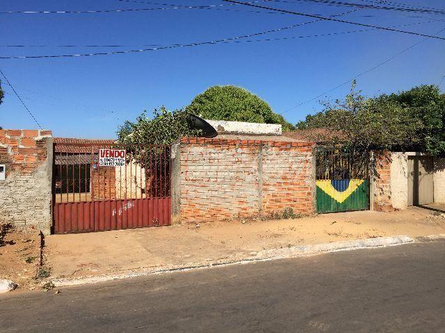 Terreno c/ duas casas de 377mts