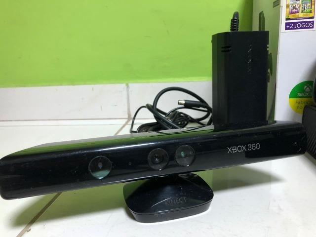 Xbox 360 - 250Gb - Kinect - 2 Controles - 15 Jogos Originais - Foto 4