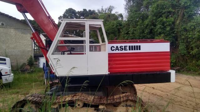 Escavadeira Poclain Case LC 80