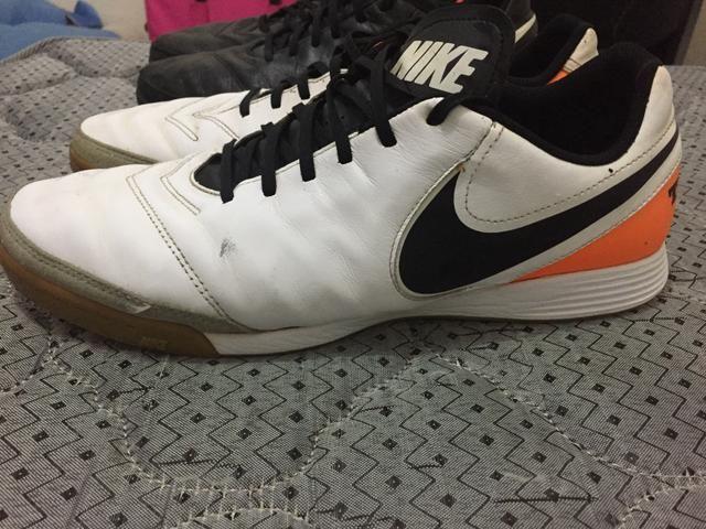 Chuteira 42/43 - Nike tiempo Futsal