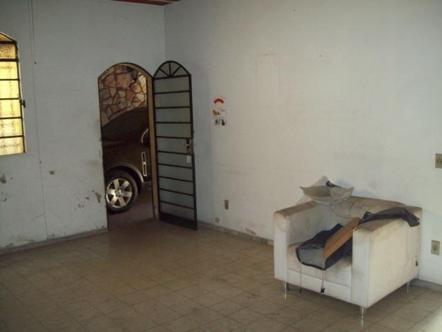 Casa colonial , 3 quartos , 4 vagas , habite-se , joão pinheiro , BH - Foto 5