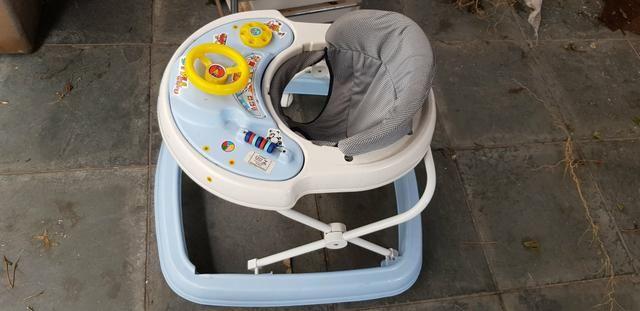 Carrinho e andador de bebe