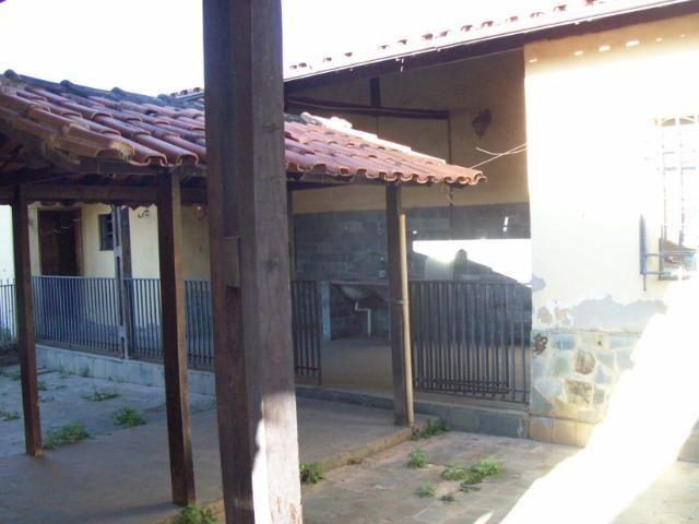 Casa colonial , 3 quartos , 4 vagas , habite-se , joão pinheiro , BH - Foto 18