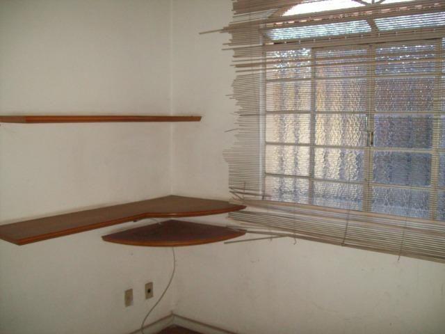 Casa colonial , 3 quartos , 4 vagas , habite-se , joão pinheiro , BH - Foto 15