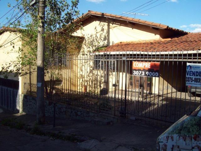 Casa colonial , 3 quartos , 4 vagas , habite-se , joão pinheiro , BH