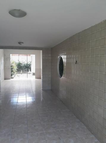 Belíssima Casa Duplex Reformada 3 Qtos/ 3 Vagas/ a 5 Minutos De Boa Viagem No Ipsep - Foto 9