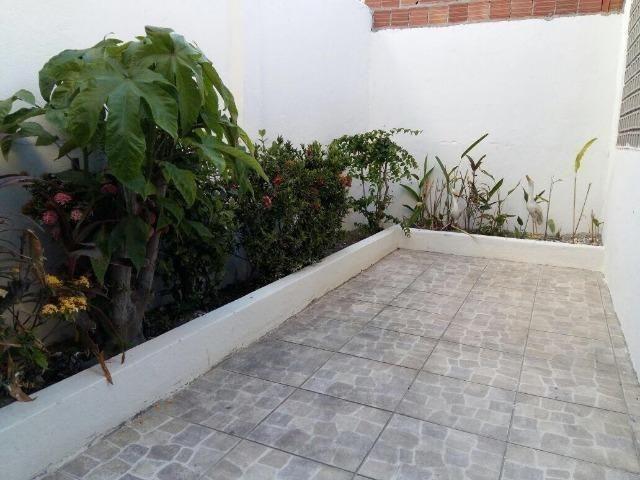 Belíssima Casa Duplex Reformada 3 Qtos/ 3 Vagas/ a 5 Minutos De Boa Viagem No Ipsep - Foto 17