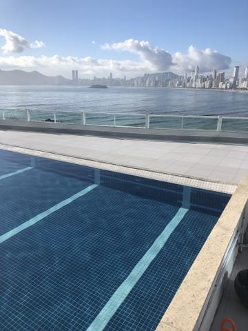 Balneário Camboriú pra 3 pessoas com piscina no prédio
