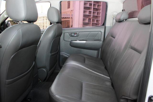 Toyota Hilux CD SRV D4-D 4x4 3.0  TDI Dies - Foto 2
