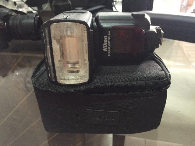 Camera nikon d7000 + carregador + 3 baterias + flash sb910 - Foto 4