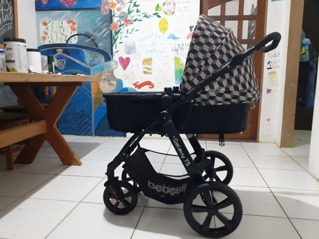 Carrinho de bebê Galaxy TS SEMI NOVO UNISSEX  - Foto 2