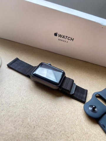 Apple Watch, série 3, 38