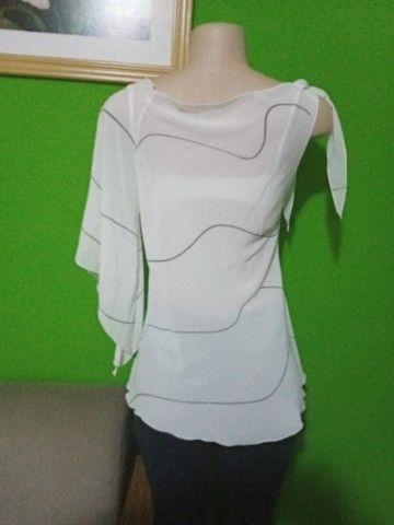 Blusa em Crepe Branca - Tamanho M - Foto 5