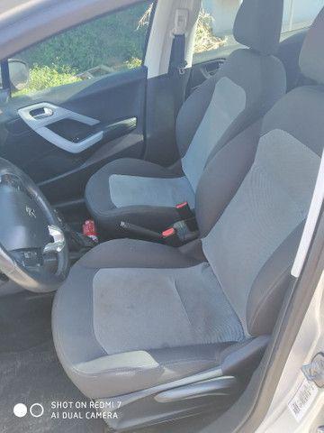 Vende-se Peugeot 208 1.5