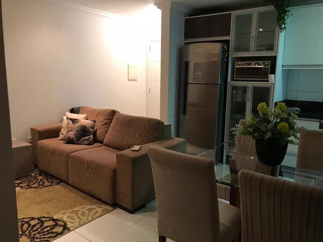 Sofá, tapete, quadro, 3 capas de almofada  - Foto 2