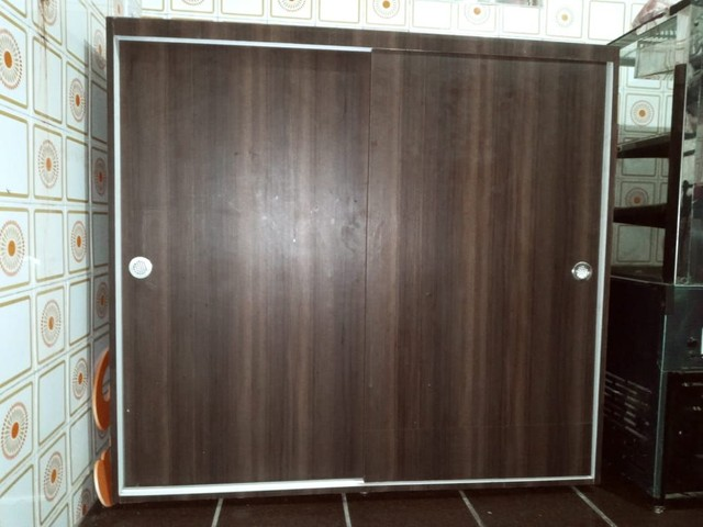 Expositor de madeira com vidro - Foto 2