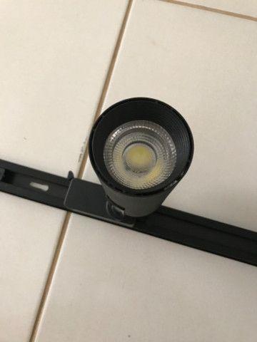 Kit trilho eletrificado 1 metro + 3 spots led 7w nunca usado - Foto 2