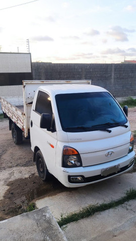 Vendo caminhão Hr em ótimo estado de conservação