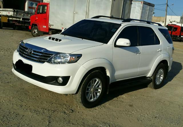 Hilux SW4 7 lugares ano 2014
