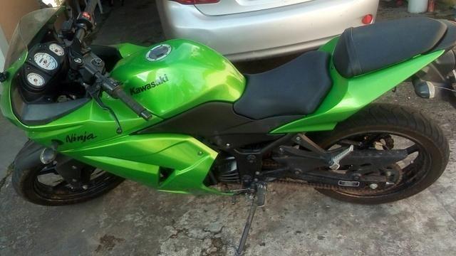 Vendo moto ninja 250 2012