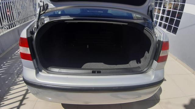 Volkswagen Polo Sedan 1.6 8v - Foto 5