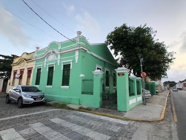 Casa em avenida principal de Olinda para comércio, de esquina positiva - Foto 2