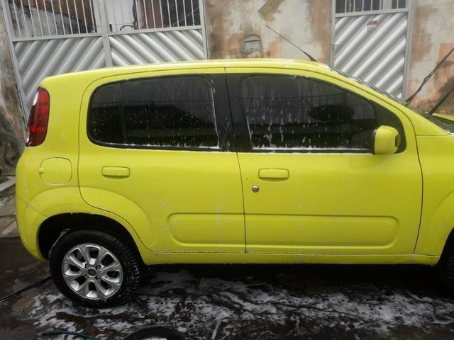 Vendo carro Fiat uno vivace 1.0 amarelo ano 2011/2012 $9.000 mais 32×700 - Foto 2