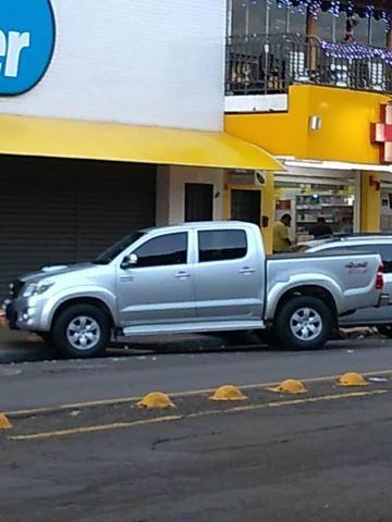 Vendo Toyota Hilux ano 2012