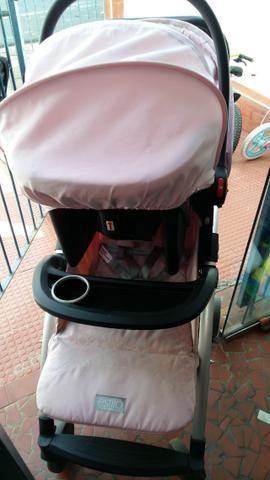 Carrinho Burigotto Estilo com Bebê Conforto