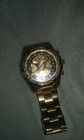 Relógio automático vai na agua 100$