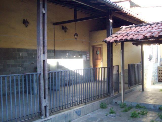 Casa colonial , 3 quartos , 4 vagas , habite-se , joão pinheiro , BH - Foto 17