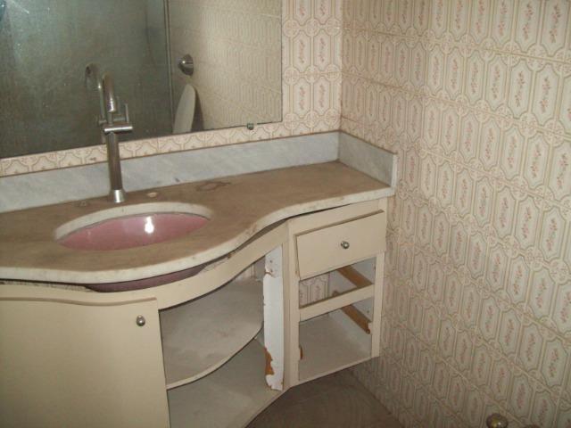 Casa colonial , 3 quartos , 4 vagas , habite-se , joão pinheiro , BH - Foto 13