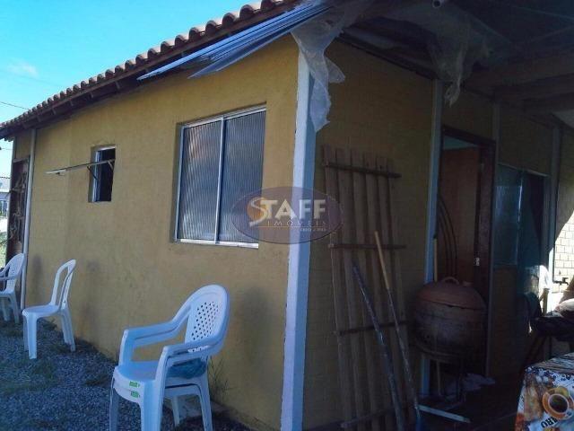 2 Casas no mesmo modelo dentro de condomínio em Unamar!