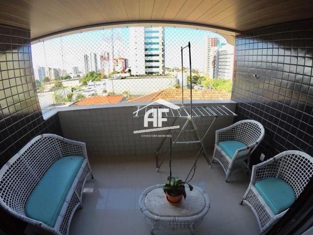 Apartamento no Farol com 4/4 sendo 3 suítes - Ótima localização, ligue já - Foto 17