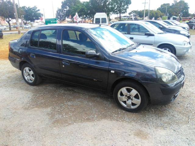 Renault clio sedan privilege 1.6 16v completo 2004