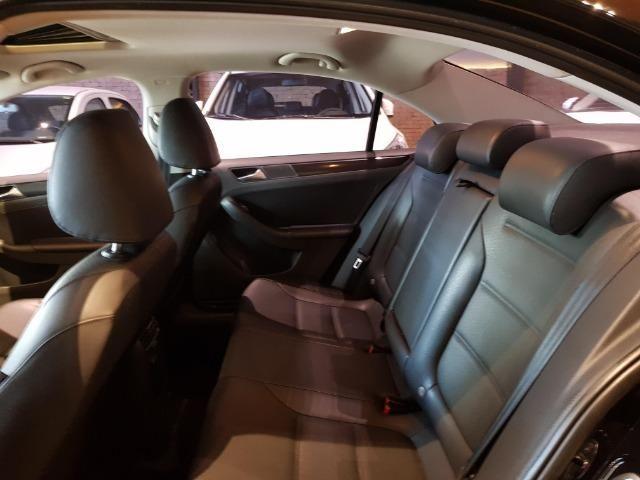 VW - Jetta Com Teto Solar - Foto 11