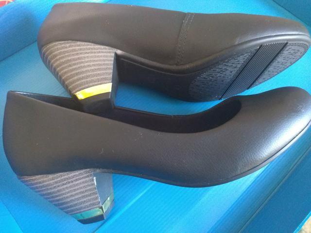Sapato preto feminino - Foto 2
