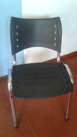 Cadeiras e mesa - Foto 2
