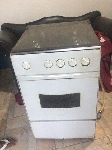 Vendo fogão 4 bocas funcionando tudo  - Foto 4