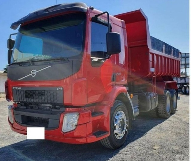 Caminhão VM 270 caçamba 8m³