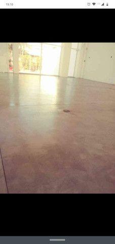 Total pisos (TUDO EM PISOS) Pintura epóxi PU alto nivelante MELHOR PREÇO DE CURITIBA - Foto 3