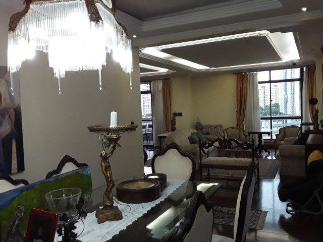 Apartamento 275m², 1 por andar, 3 suites, 3 vagas na Batista Campos - Foto 3