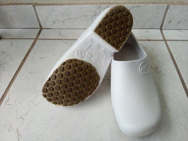 Sticky Shoe - Sapato Fechado Para Profissional Da Saúde - Foto 3