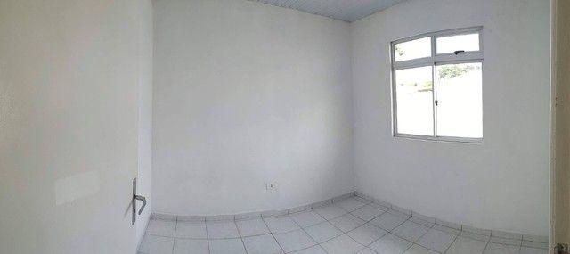 Linda Casa em Condomínio com amplo terreno *Leia o Anúncio* - Foto 5