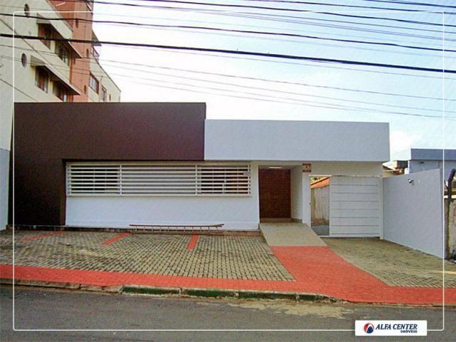 Casa comercial para locação, Setor Leste Universitário, Goiânia.