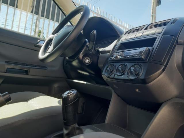 Volkswagen Polo Sedan 1.6 8v - Foto 16
