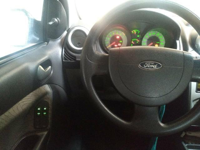 Ford Fiesta Sedan 2008 - Foto 3