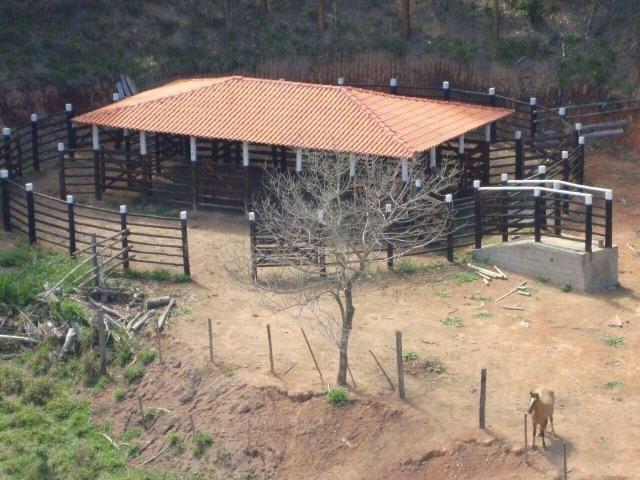 Propriedade de 22 alqueiros na cidade de Itaipé MG