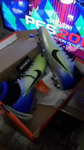 Chuteira Nike Mercurial 41